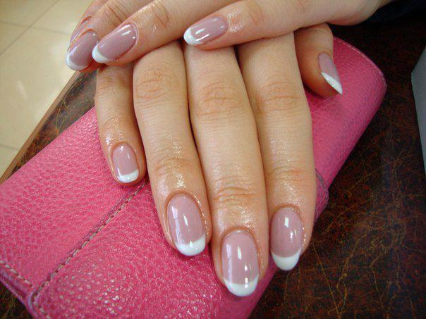 Короткие ногти под гелем френч